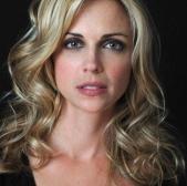 Kelly Sullivan3